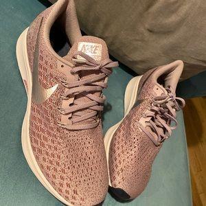 Nike Shoes - Shoes